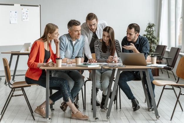 businesspeople-meeting-office-working-together_23-2148908923